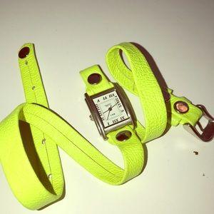 Wrap bracelet watch neon green - La Mer-Never Worn